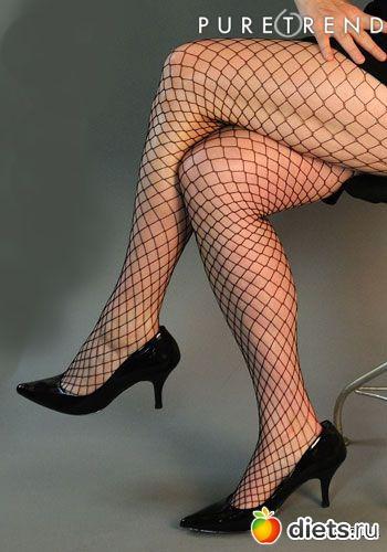Девушка в колготках в сетку и стрингах фото 361-821