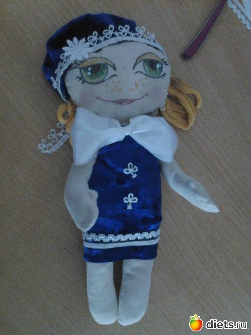 идея о кукле в казахском наряде пока еще зреет.)вызревает. вот глядя на( Касю Лесину))захотелось тоже малышку...