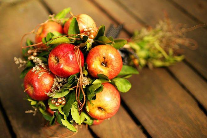 Картинки осенняя композиция из цветов и плодов