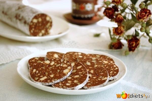 Колбаса сладкая из печенья со сгущенкой