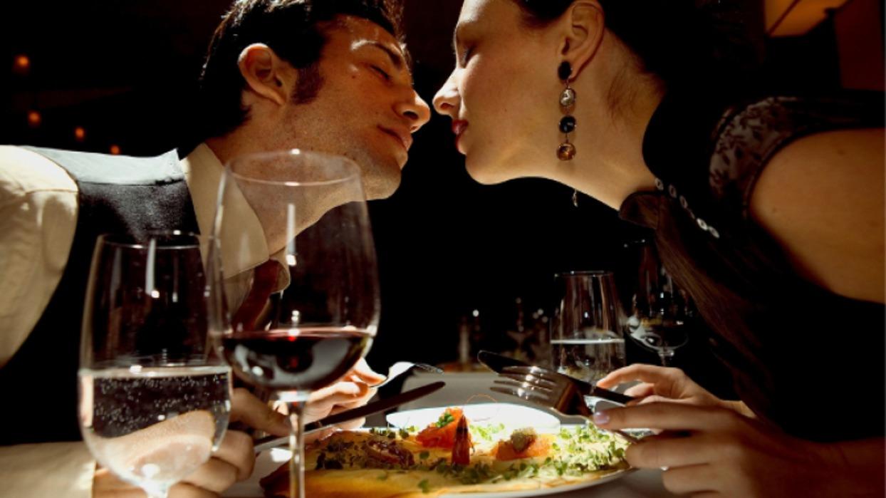 Фото секса в ресторане 1 фотография