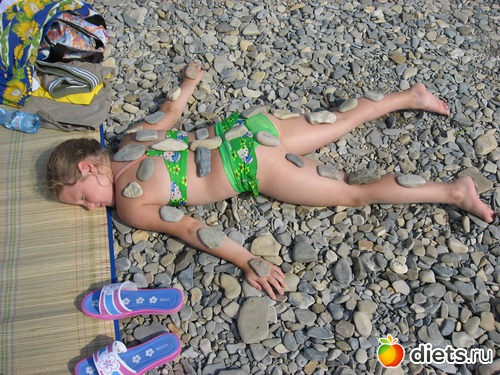 Фото девочки голышом на пляже фото 192-75
