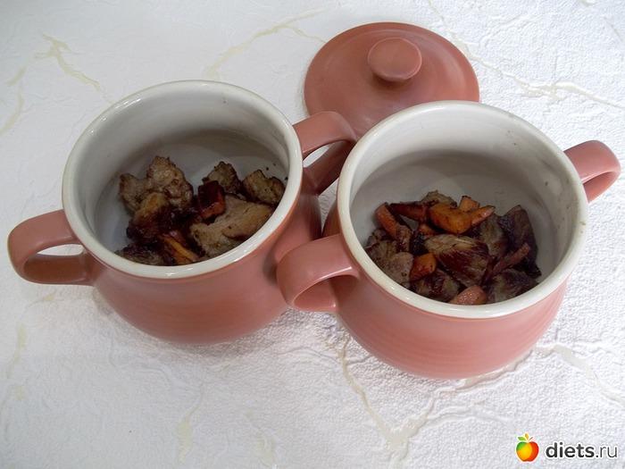Приготовить картофель жареный с грибами и луком