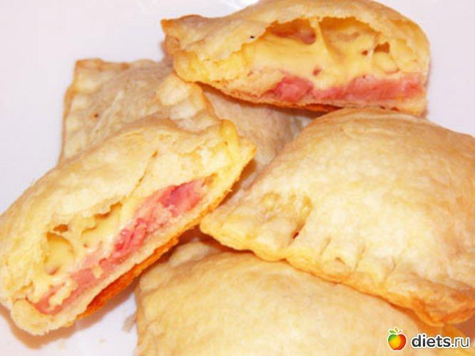 пирожки из слоеного с сыром и ветчиной из слоеного теста рецепт