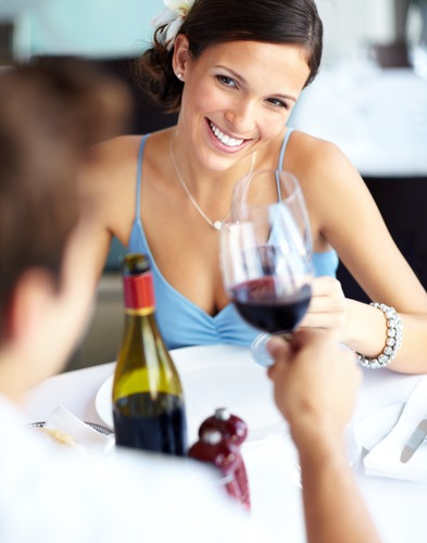 How to Make a Girl Fall for You on the First Date Dating