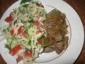 Мой ужин: печень тушеная с луком и овощной салат