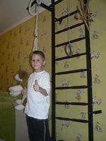 Шведская стенка для ребенка: нескучные занятия для пользы тела