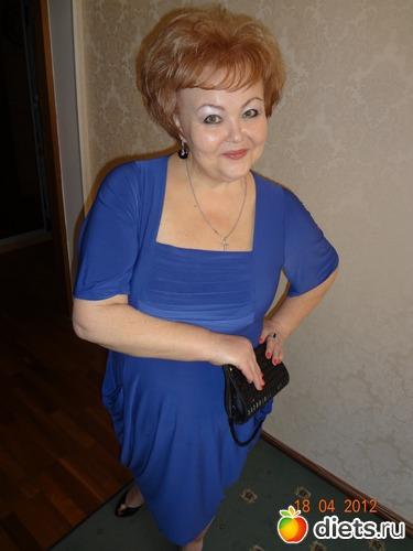 Я!!!! В платье ! не одевала лет 20., альбом: штаны   на   двоих!!!!