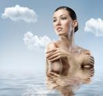 Как увлажнить кожу тела зимой: принципы, особенности и приятные дополнения