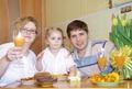 Здоровое питание для всей моей семьи! (Я, муж и дочка обедаем блюдами, приготовленными на пару)