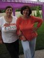 Я со своей старшей сестрой. Уже весовые категории отличаются не очень.