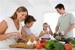 Семья и пищевое поведение: замкнутый круг родительских ошибок