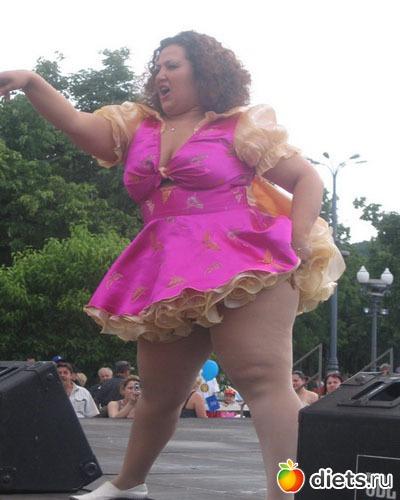 секс толстых в коротких платьях фото