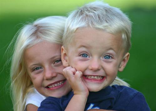 голая фото брат и друг ебеть сестрк