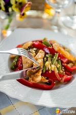 Теплый салат с курицей и спаржевой фасолью. Вкусная коллекция