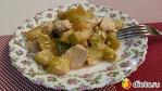 Курица, тушеная в сметане с кабачками, вкусно, быстро и полезно.