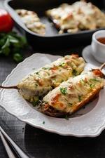 Баклажаны, фаршированные мясом и томатами, под соусом. Вкусная коллекция
