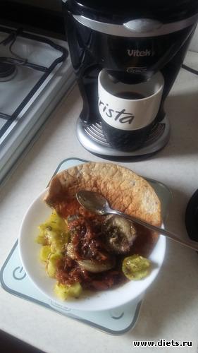 овсяноблин с кунжутом и льном  и салат с огурцами,тушеные баклажаны, альбом: что кушаю