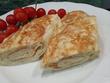 Завтрак из лаваша, яиц и сыра