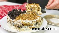 Без выпечки! Райский торт со сметанным кремом, орехами и черносливом за 15 минут